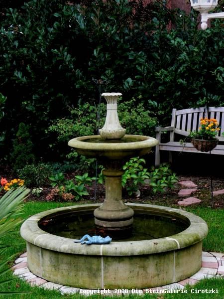 Garten-Brunnen aus Stein – 30 Ideen für dekorative ...